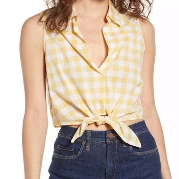 Lush Checkered Tie Front Top • Size M